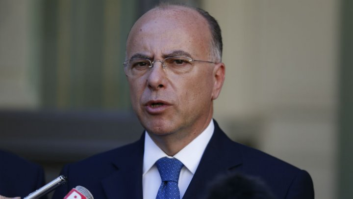 French interior minister Cazeneuve hosts talks on the future of Islam in France
