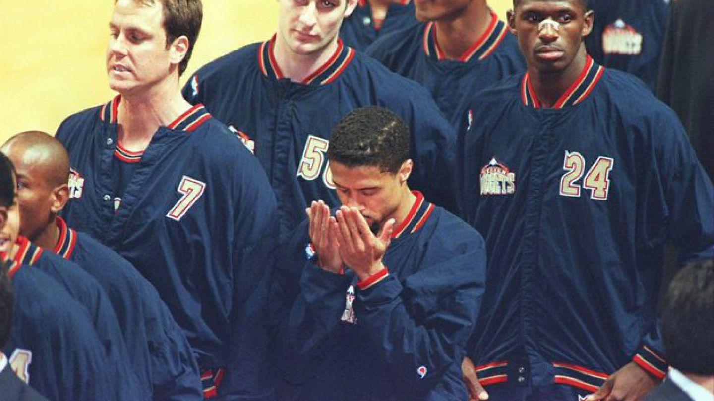 20 years before Colin Kaepernick, an NBA player refused to stand for the national anthem and paid dearly