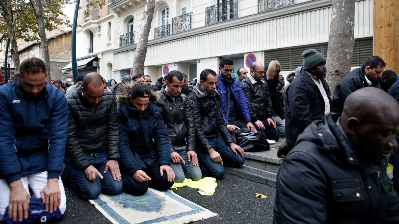 Tensions as Paris suburb tries to stop Muslim Street Prayers