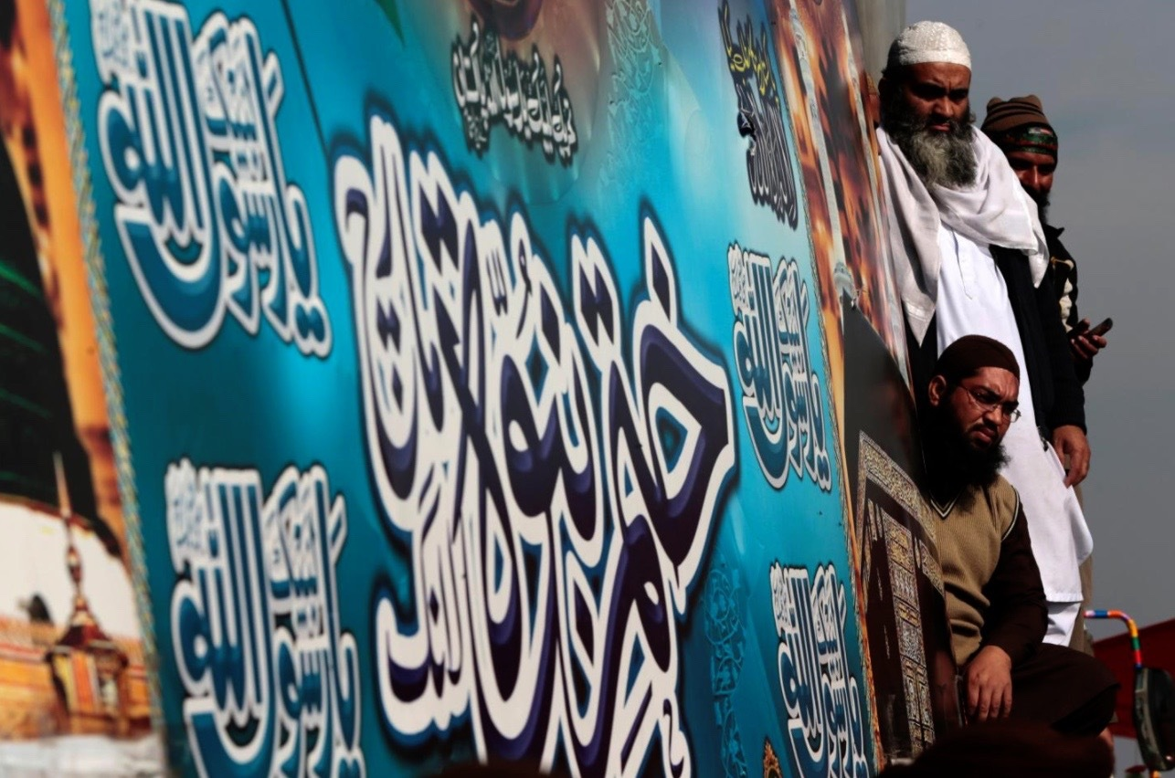 Pakistani Islamists Call Off Protests Over Blasphemy Claim as Govt. Backs Down