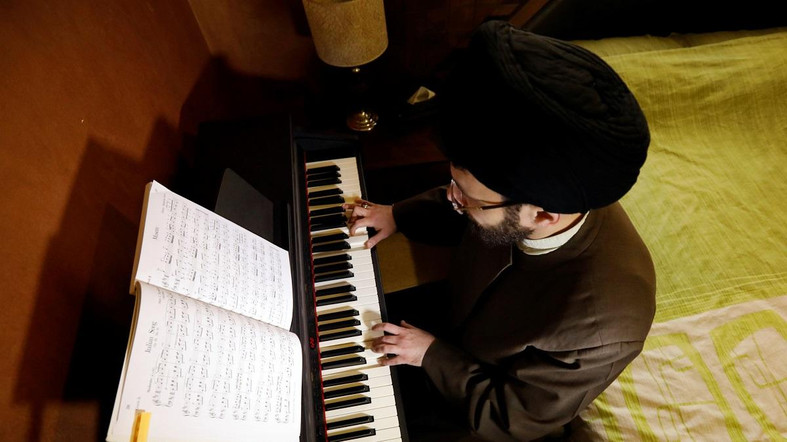 Lebanese Shiite Cleric Expelled From Seminary For Playing Piano