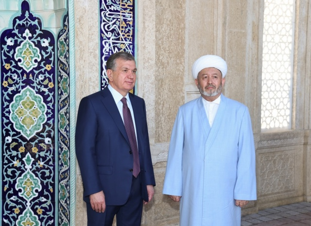 Uzbek Government Eases Restrictions on Muslims