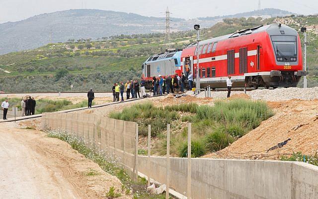 Israel to Begin Promoting Railway Linking Haifa Seaport with Saudi Arabia
