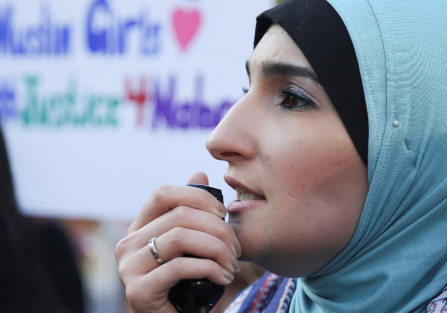 Al-Arabiya Slams Linda Sarsour As Muslim Brotherhood Ally