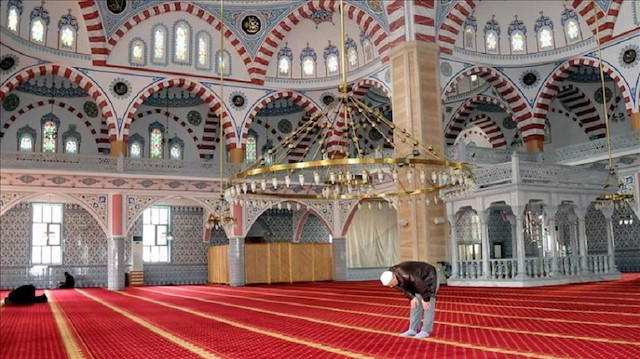 China seals three Hui Muslims mosques in southern province