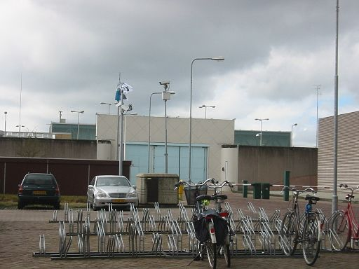 Books promoting radical Islam in Dutch high security prison library