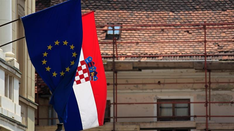 Bosnians deported from Croatia for 'refusing to spy on Muslims'