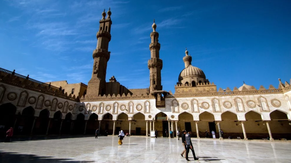 Egyptian seminary renews its claim as arbiter of Islam's true meaning