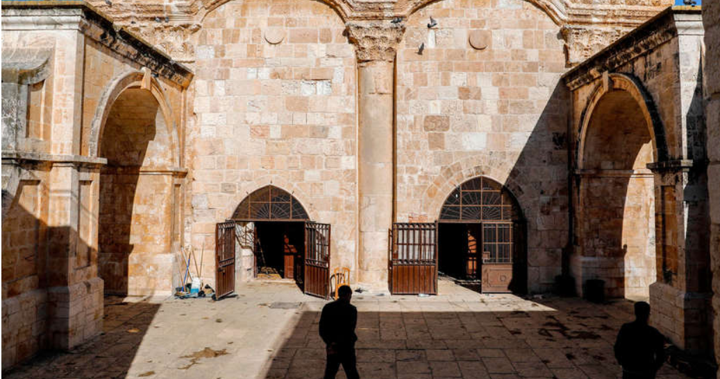 Israeli court closes holy site flashpoint, goads Jordan to respond