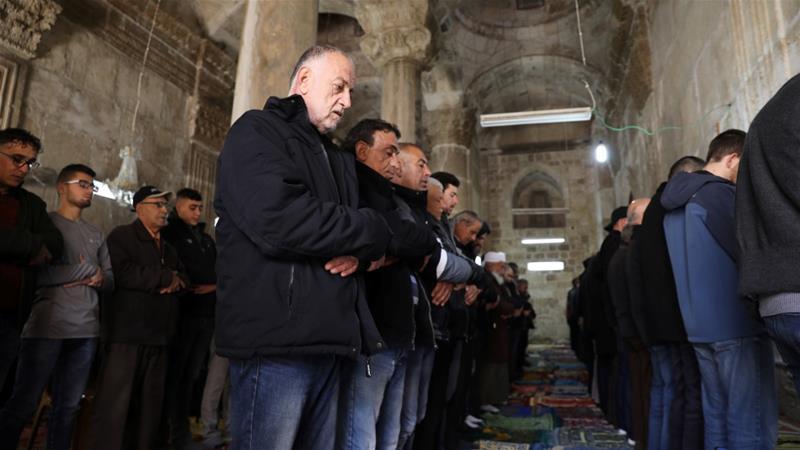Al-Aqsa compound 'calm' for Friday prayers amid tensions