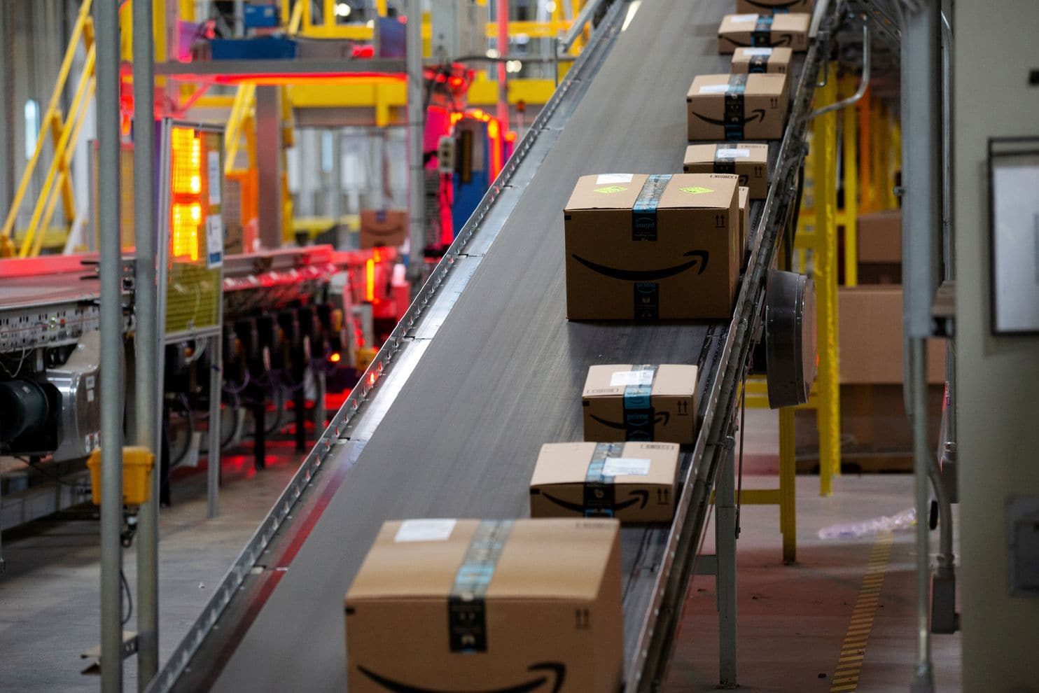 Muslim women accuse Amazon of 'harassing and hostile' work conditions