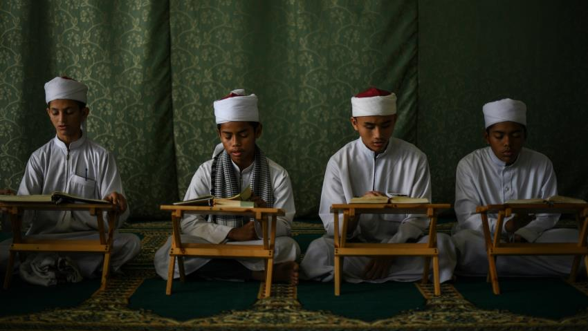 Malaysia sends out 'Ramadan police' in disguise to bust non-fasting Muslims