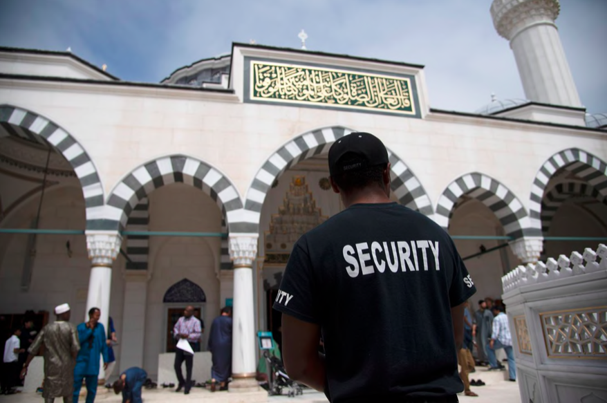U.S. mosques see heightened security concerns for Ramadan