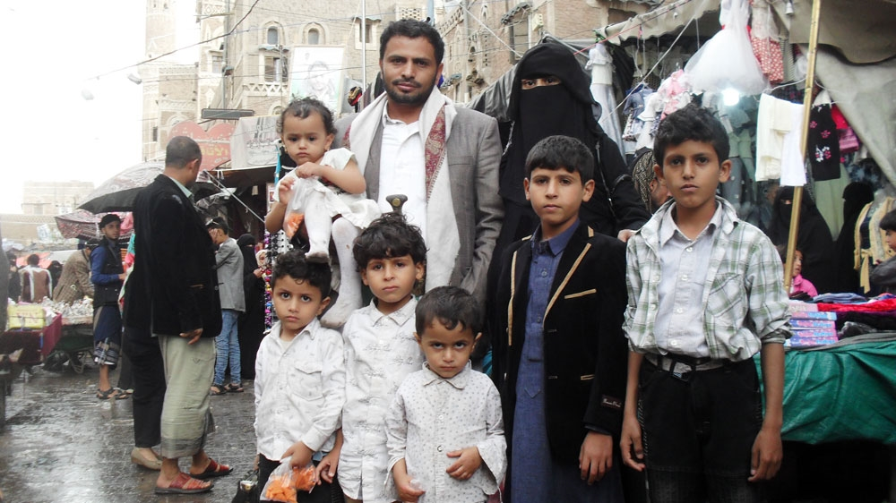 As Yemenis prepare for Eid, even celebration is a struggle
