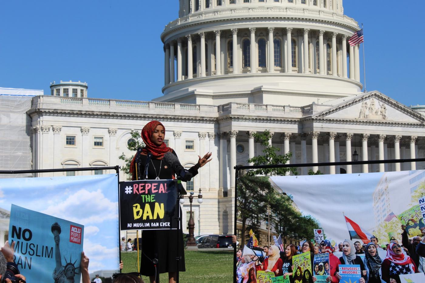 Trump's Muslim ban: US lawmakers vow to repeal 'hateful' order