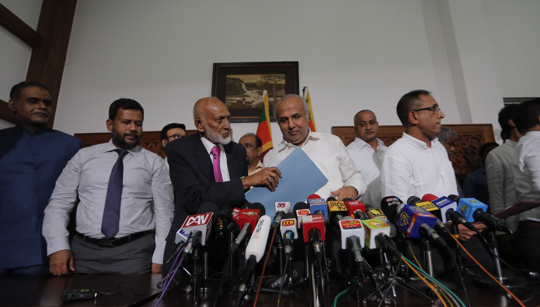 Muslims leave Sri Lanka govt to allow probe of terror claim