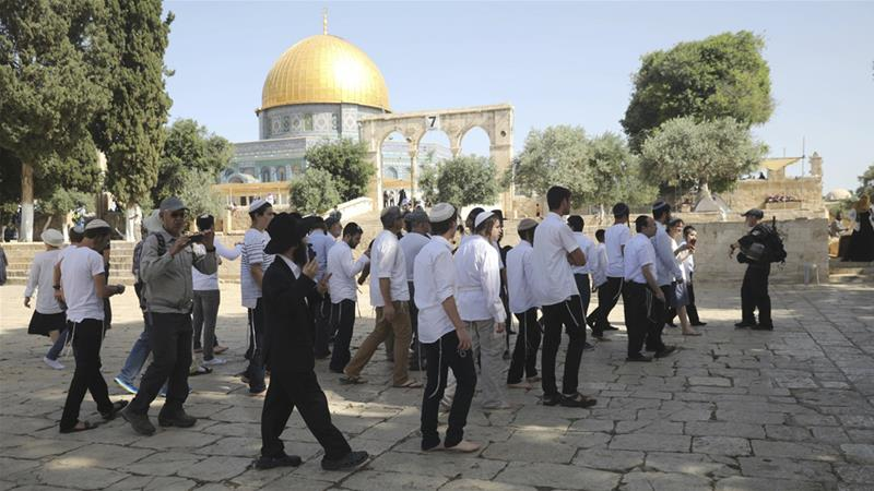 Israeli forces and settlers enter Al-Aqsa Mosque compound
