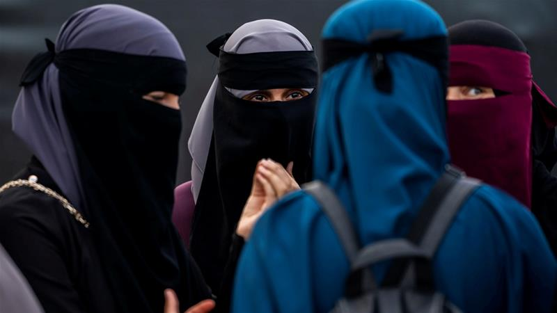 Tunisia bans face veils in public institutions after bombing