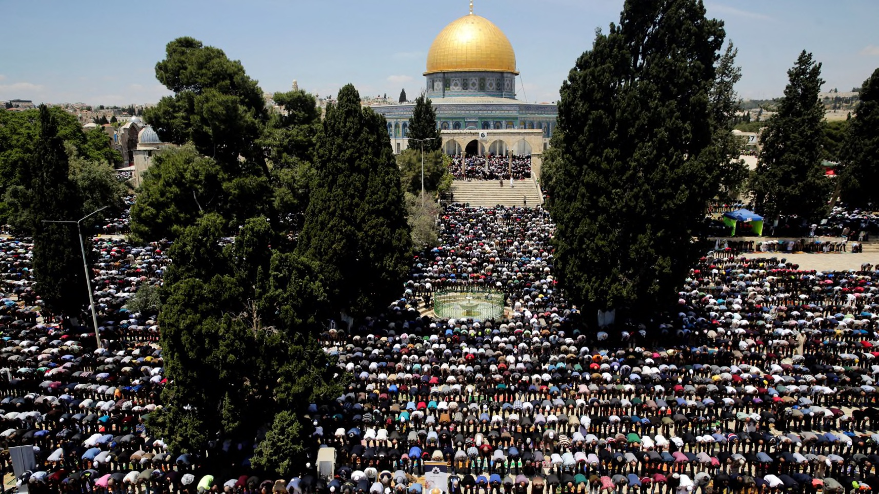 Jerusalem Waqf Calls for Protest Over Allowing Jews on Temple Mount on Muslim Holiday