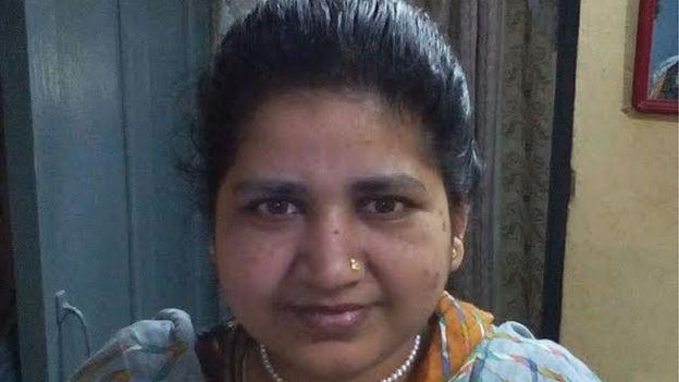Triple talaq: India criminalizes Muslim 'instant divorce'