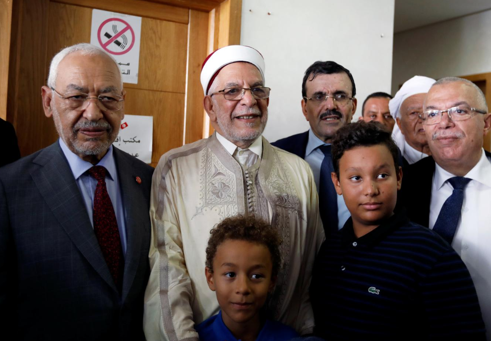 Moderate Islamists make new power quest in Tunisia