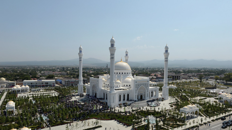 'Pride of Muslims': Chechnya's leader Kadyrov inaugurates 'Europe's largest mosque'