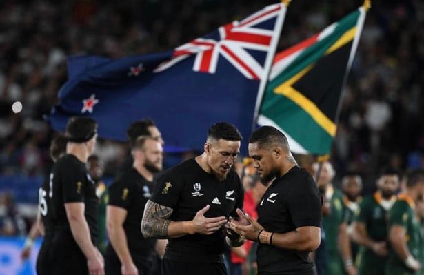 Sonny Bill Williams Fumes after Instagram Deletes pictures of Muslim Rugby Star Praying before World Cup Clash