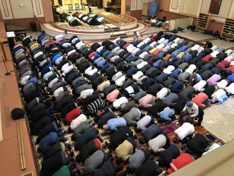 Boston Cathedral's Call to Be a 'House of Prayer' Extends to Muslims' Friday Prayers