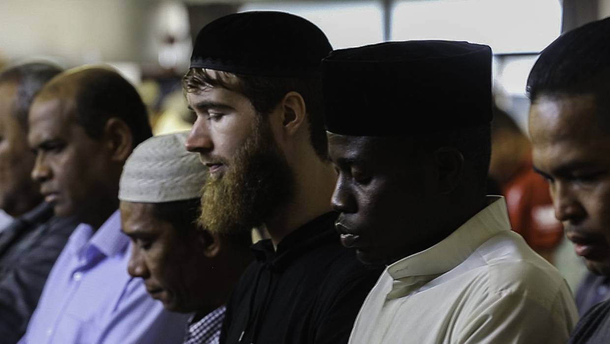Hello, Brother: Why Kiwis are Converting to Islam