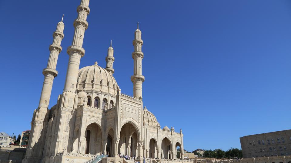 Sunni and Shia Muslims Pray Together in Azerbaijan's Heydar Mosque