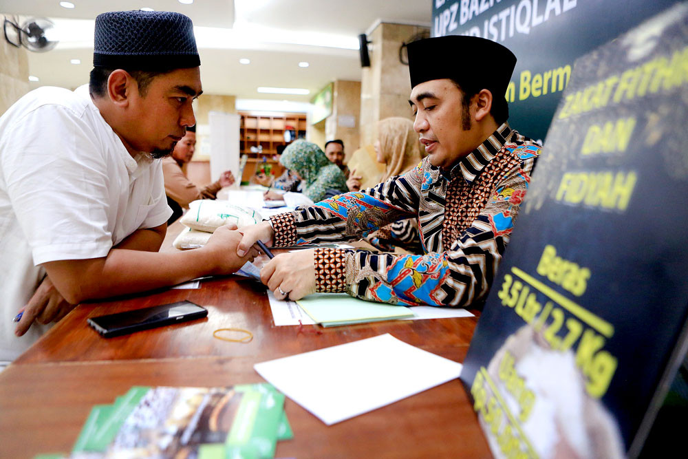 VP Ma'ruf Calls on Muslims to Increase 'Zakat' to Reduce Inequality