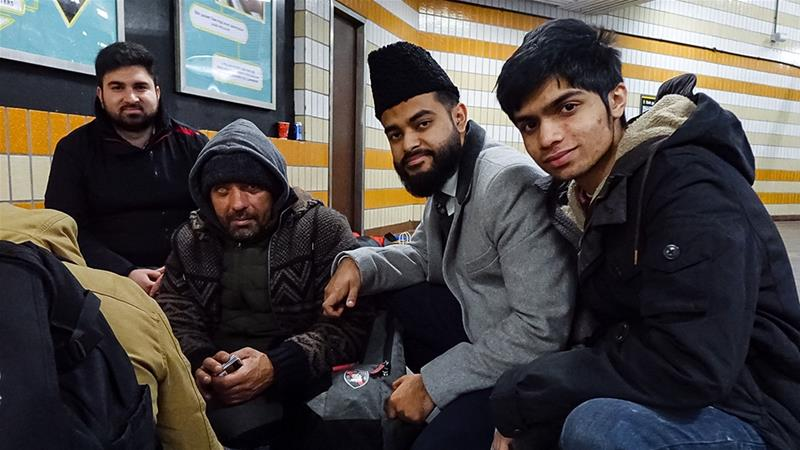 Young British Muslims Support Homeless Over Christmas Period
