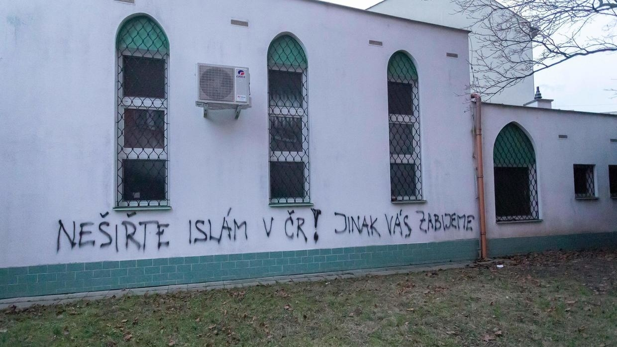 Czech Mosque Vandalised With Death Threats