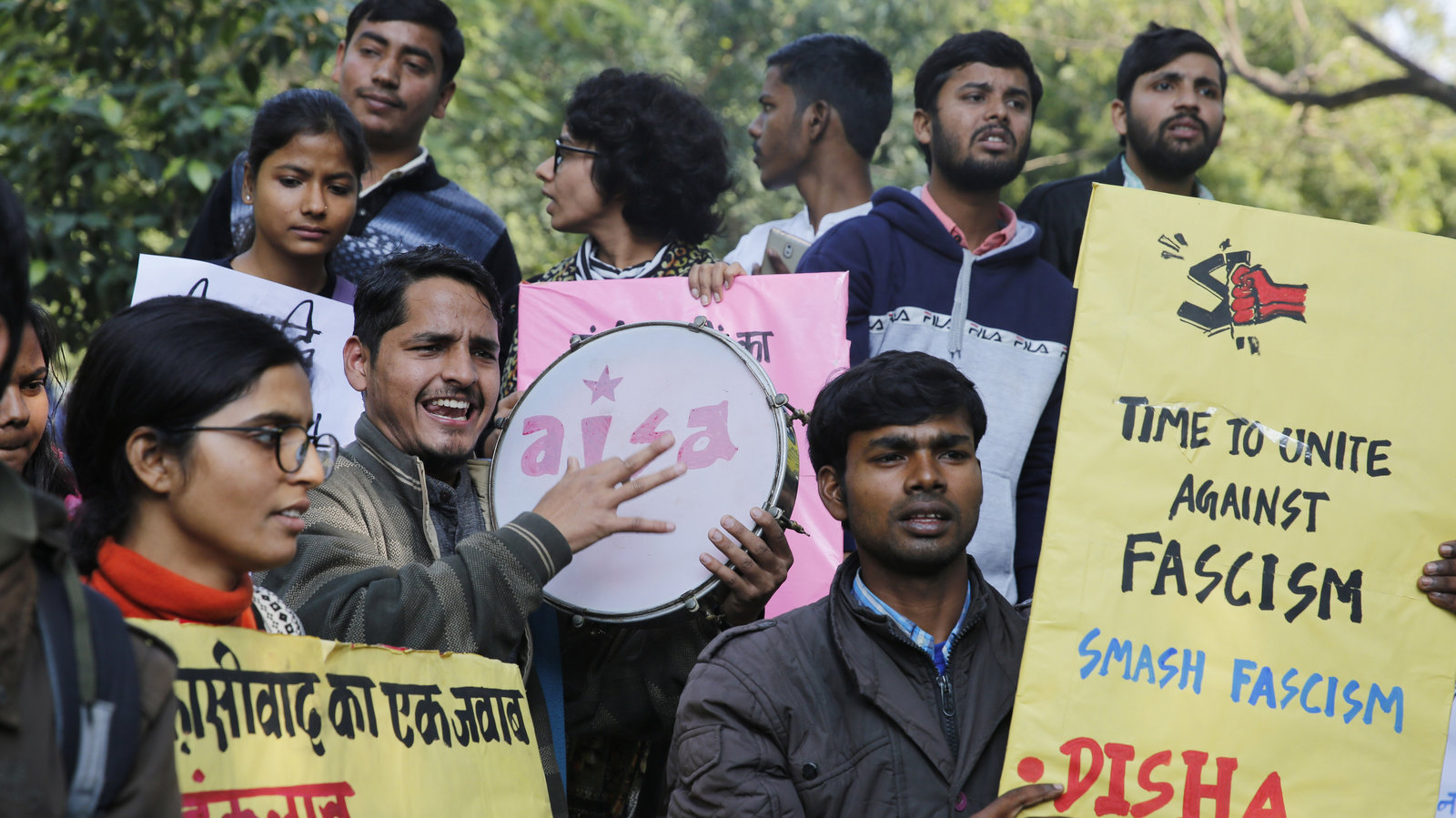 Students In India Protest After University Attacked By Masked Assailants