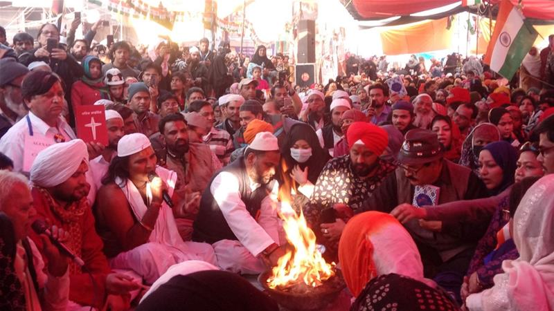 Indian Protesters Hold Interfaith Prayers at Shaheen Bagh