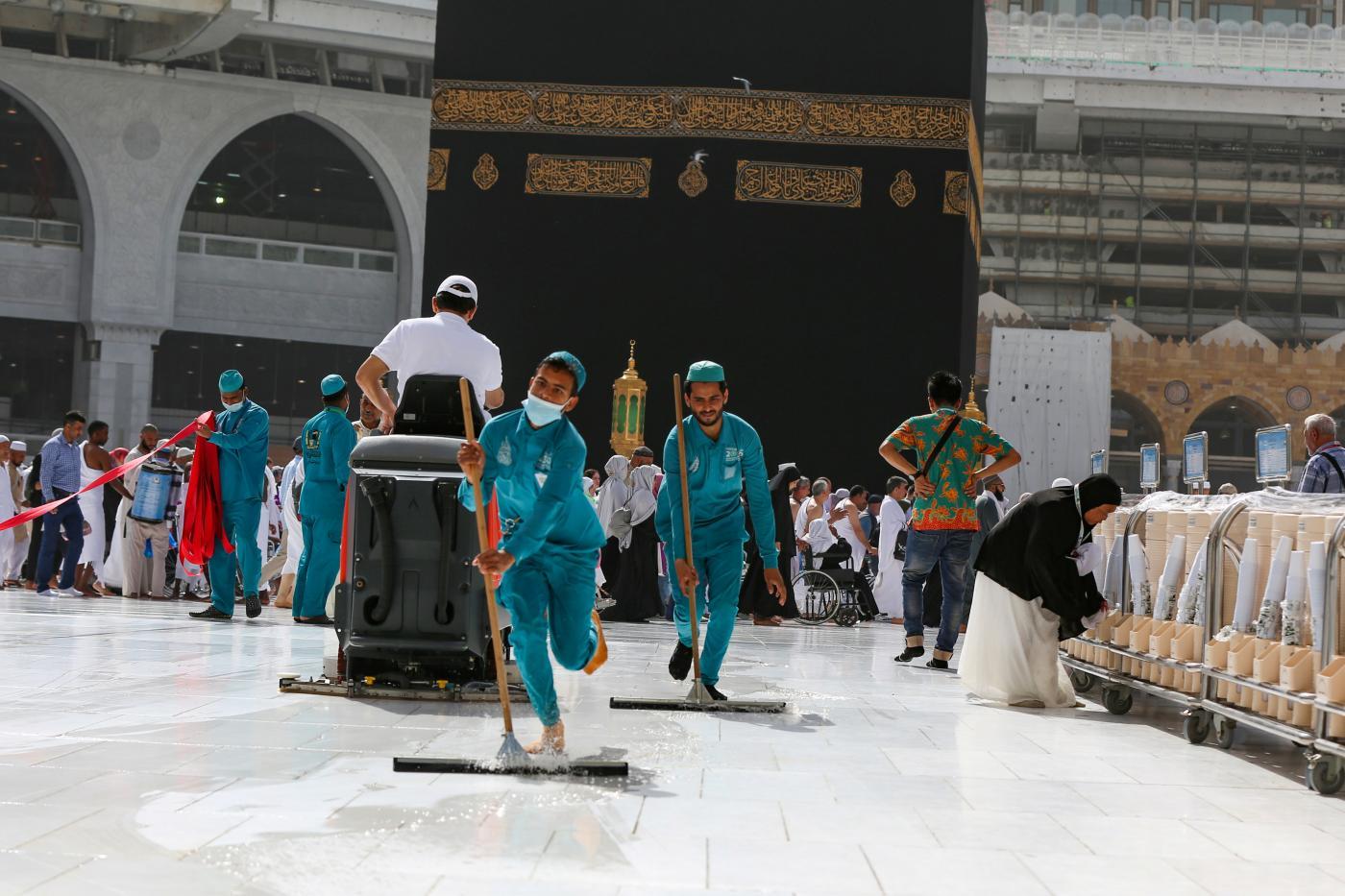Coronavirus: Saudi Arabia Bans All Umrah Pilgrimage to Mecca