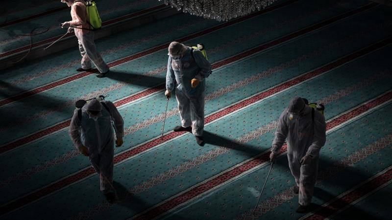 Coronavirus in Gulf States: No Warm Greetings, No Mosque Prayers