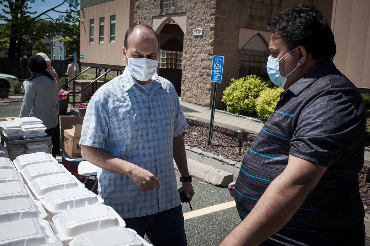 'We are all the same': West Springfield Mosque Provides Hundreds of Meals to the Community During Coronavirus