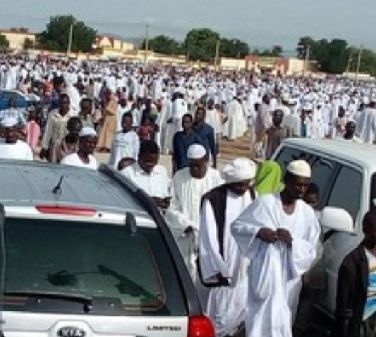 Eid Prayers Said in Sudan's Mosques as Worshippers Defy Ban