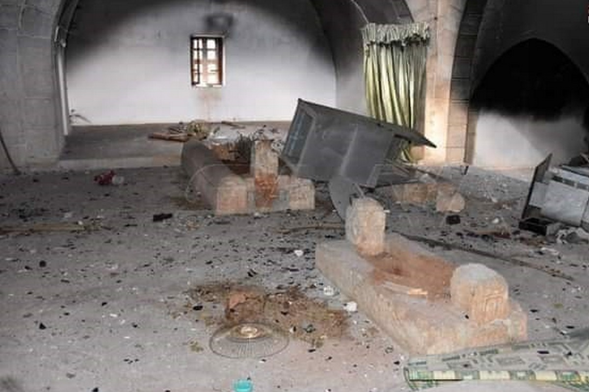 Tomb of Umayyad Caliph exhumed by Militias in Syria