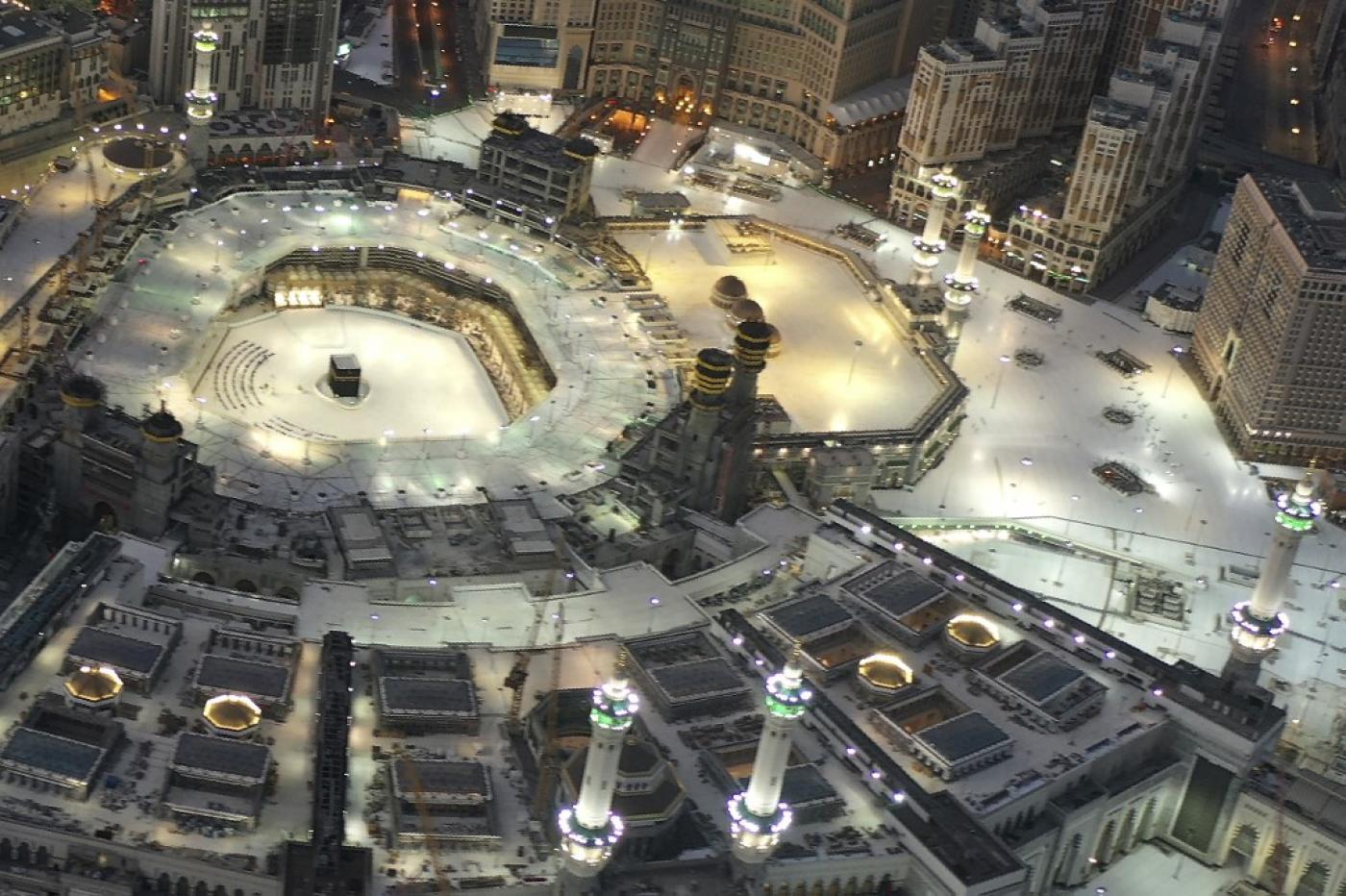 Coronavirus: Saudi Arabia Reopens 90,000 Mosques as Lockdown Eased