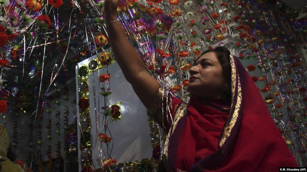 Pakistan Bows To Islamic Hard-Liners To Halt Hindu Temple Construction
