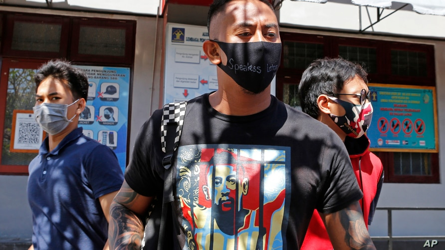 Indonesia Frees Australian From Prison After Yearlong Sentence For Drugs