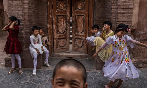 Chinese Detention 'Leaving Thousands of Uighur Children without Parents'